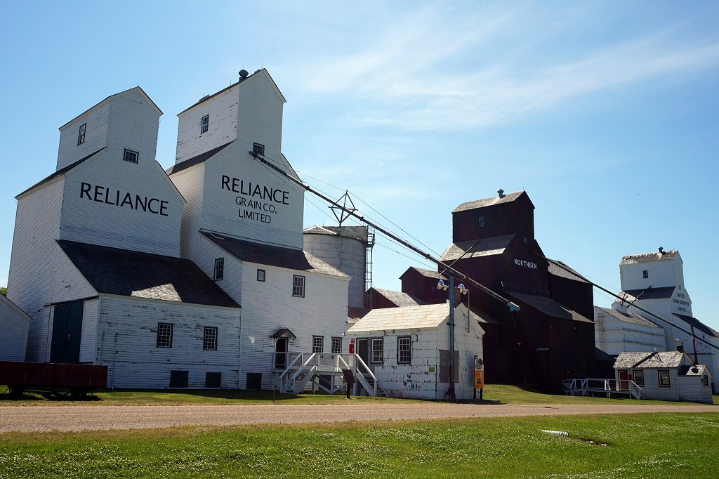 Inglis Grain Elevators – Inglis, Manitoba